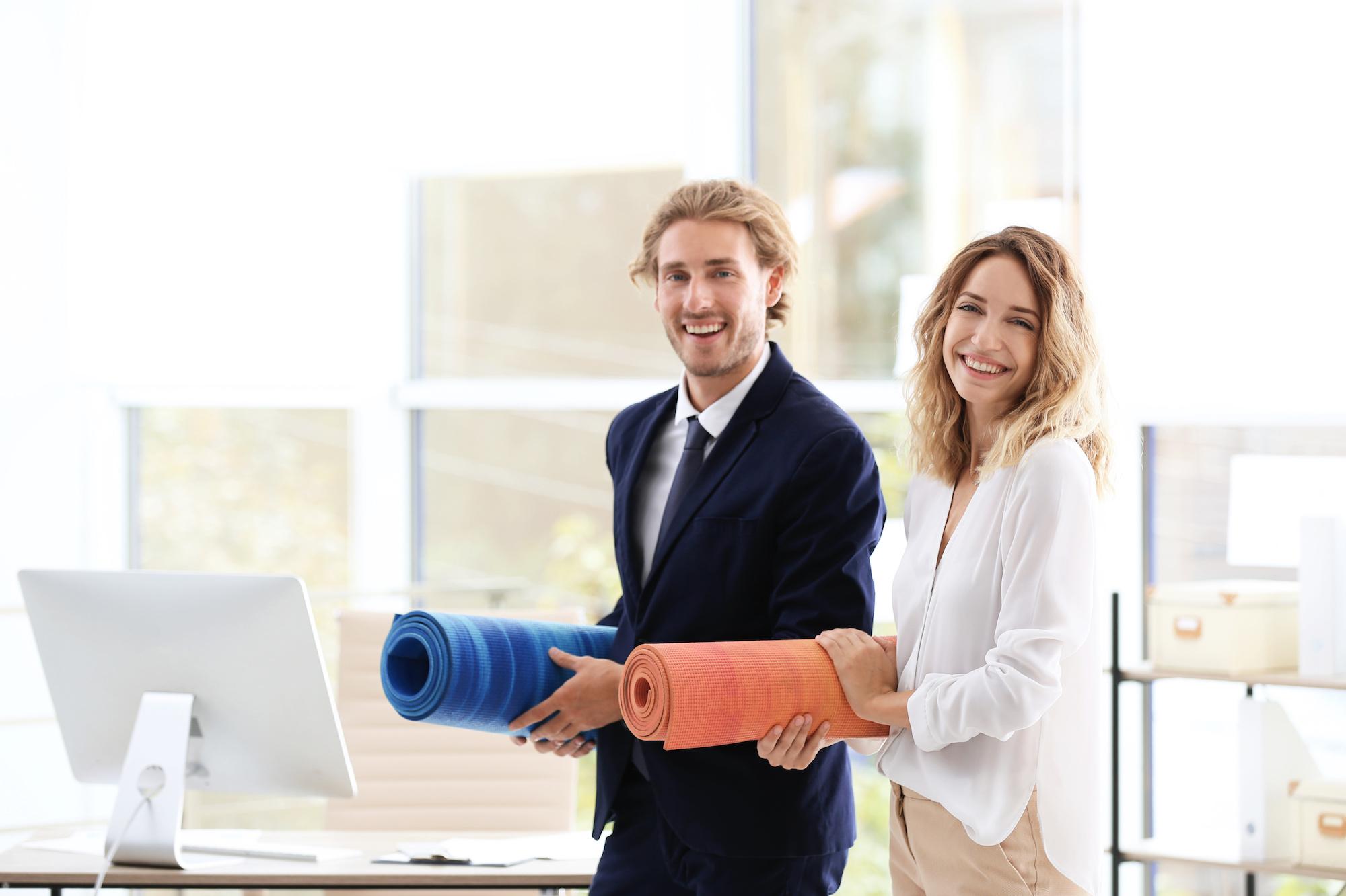 Business Yoga für Mitarbeiter und Führungskräfte im Unternehmen im Rahmen des betriebslichen Gesundheitsmanagements Achtsamkeitstraining für Mitarbeiter und Führungskräfte für mehr Resilienz und Stress Reduktion